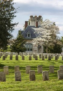 Antietam National Cemetary image by Acroterion, wikimedia commons