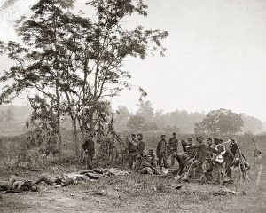 Union Army burial crew at Antietam image US Army, public domain