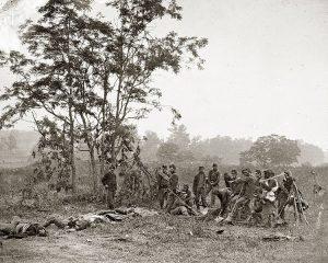 Union Army burial crew at Antietam image US Army, public domain