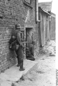 German soldiers in Soviet Union, Operation Barbarossa, June 1941. Image from German Federal Archives, wikimedia commons.