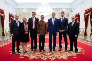 Indonesia Pres. Joko Widodo and US Secy. of State John Kerry (center) Image by US State Dept, public domain